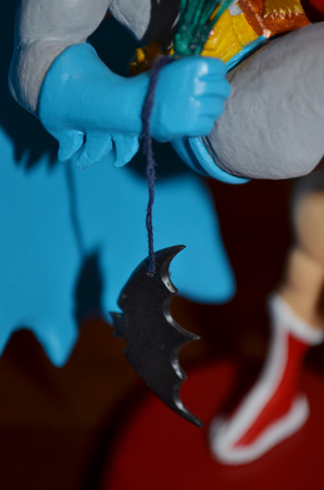 batarang cose up
